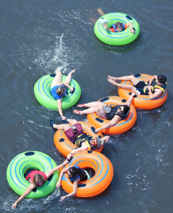 group tubing on the Delaware River at Twin Rivers