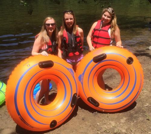 girls-tubing2-lehigh-delaware-river-min